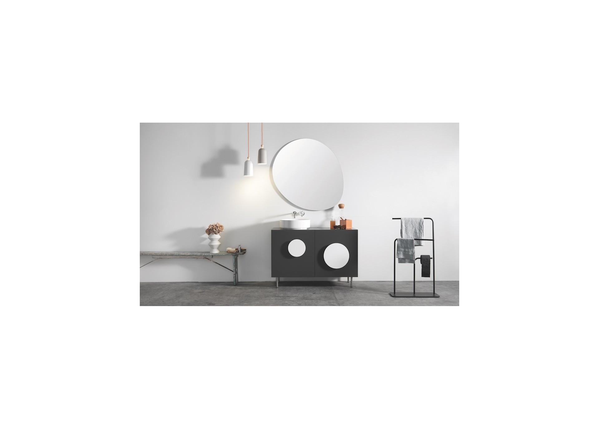 gru porte serviette sur pied design en inox noir ou blanc. Black Bedroom Furniture Sets. Home Design Ideas