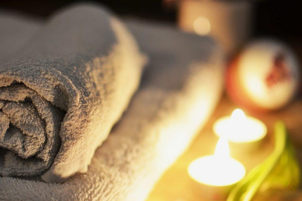 La douceur des nouvelles serviettes dans une salle de bain Mooze la boutique