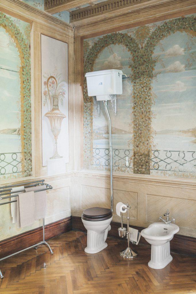WC vintage avec réservoir haut Belgravia, de Gentry Home